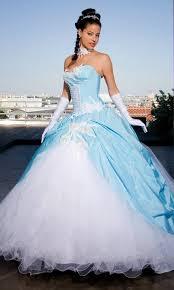 robe mariage bleu de mariée blanche et bleu