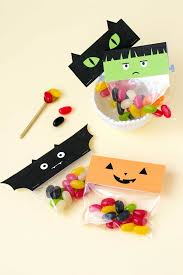 print these treat bag toppers for your halloween candy curbly