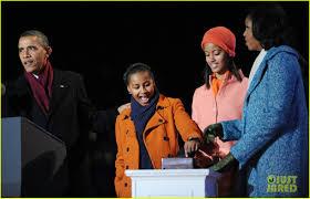 barack obama tree lighting with michelle u0026 the girls photo