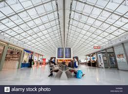 bureau de change a駻oport charles de gaulle charles de gaulle airport stock photos charles de gaulle airport