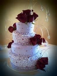 i like the lace piping on this cake from cakes by donna in