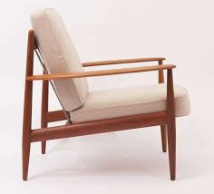 Wooden Armchairs Best 25 Wood Arm Chair Ideas On Pinterest Shoulder Bolt Wood