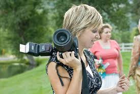 photographer for wedding how to find the best wedding photographers 5 questions to ask