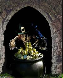 leprechaun with his pot of gold pictures