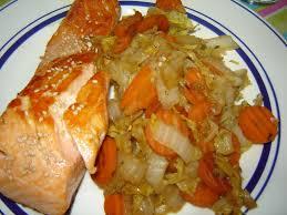 cuisiner le chou chinois wok de légumes et saumon grillé au sésame un peu de rêve dans ma