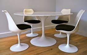 Eero Saarinen Table Stunning Chaise Tulip Eero Saarinen Ideas Transformatorio Us