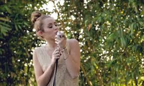 The Backyard Session B Log Miley Cyrus Tailor Swift Und Co Die Klingen Doch Alle