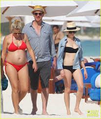 Michelle Phillips Michelle Williams U0026 Busy Philipps Beach Gals With Jason