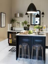 minimalist modern kitchen design with simple kitchen island and