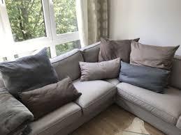 groãÿe sofa groe dekokissen wohnzimmer kissen grau beige braun in große