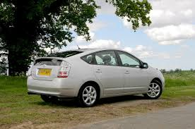 toyota prius hatchback review 2004 2009 parkers