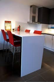 table cuisine sur mesure cuisine équipée sur mesure avec table haute mb concept be