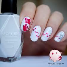 piggieluv nail polish paw prints nail art