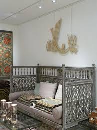 salon marocain canapé le canapé marocain qui va bien avec votre salon archzine fr