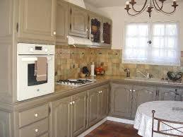 repeindre cuisine cuisine rustique relooker cuisine repeindre une cuisine en chene