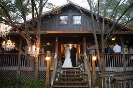 Tallahassee Wedding Venues Rustic Outdoor Wedding At Lake Iamonia Lodge In Tallahassee