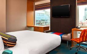 chicago accommodations aloft king room aloft chicago city center