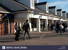 thanksgiving shopping at woodbury common premium outlets new york
