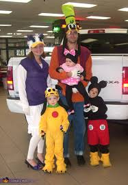 Incredibles Family Halloween Costumes 5 Family Costume Ideas Halloween Cosplay Family Halloween
