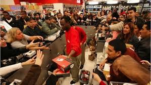 black friday cell phones shopping malls will be tracking your cell phones this black friday