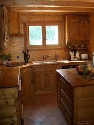 cuisine chalet bois agencement cuisine en bois massif