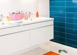 plaque imitation carrelage pour cuisine panneau mural changer de mur de salle de bain sans tout casser
