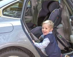 siège bébé dos à la route pourquoi placer le siège bébé dos à la route