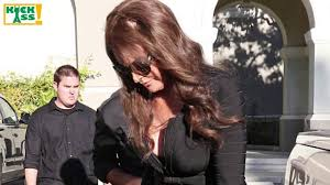 jenner hair extensions caitlyn jenner s hair malfunction shows extensions at