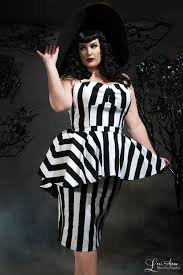 deadly dames plus size glamour ghoul dress in black and white