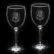 white house eagle stemmed wine glass