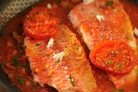 cuisiner rouget filets de rougets sur lit de tomate cuisine à l ouest