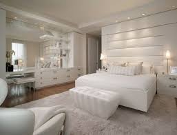 Modern White Rug Bedroom Entrancing Modern White Bedroom Decoration Using