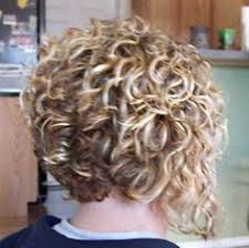 how to stlye a stacked bob with wavy hair the 25 best curly inverted bob ideas on pinterest curled
