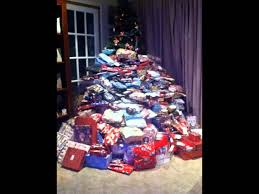 mom gives her kids 300 christmas gifts youtube