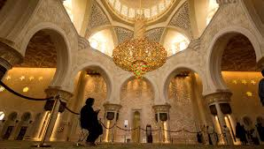 Largest Chandelier Sheikh Zayed Mosque Abu Dhabi Book Tickets U0026 Tours