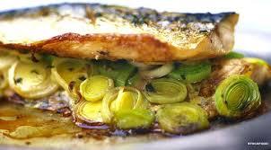 cuisiner des maquereaux filets de maquereaux à la moutarde et aux poireaux