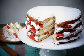 jeux de cuisine aux fraises gâteau au yaourt facile façon layer cake aux fraises via