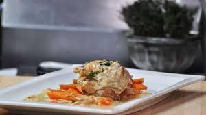 cuisiner un lapin au four lapin à la moutarde mariné cuit au four recette par cuisine