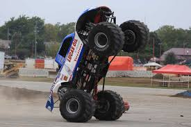 bigfoot monster truck st louis bigfoot monster truck wheelie in slow motion indy 2015 youtube