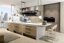 cuisine suspendue hauteur meuble cuisine luxury cuisine aménagée meuble haut suspendu