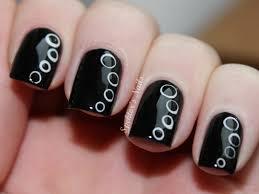 water marble for short nails black white swirl nail art design