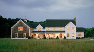 we like this shingle style barn and clapboard house seem really