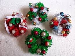 christmas lapel pins hum bug crafts making holiday crafts for