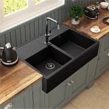 cuisine evier angle un évier à poser d un noir profond qui rencontre un franc succès