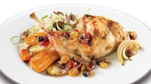 cuisiner le lapin en sauce lapin rôti sauce aux fruits séchés recettes iga pruneaux sauce