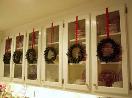 christmas decorations for kitchen cabinets decorate for a traditional christmas idolza