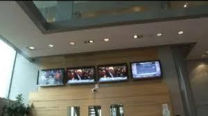siege de bfm tv locaux de bfm tv un homme armé menace deux journalistes sur