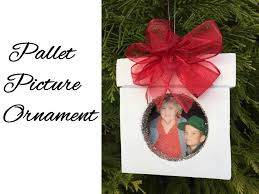 diy pallet picture frame ornament