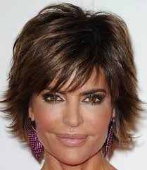what is the texture of rinnas hair lisa rinna layered razor cut lisa rinna hair style and short hair