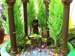 miniature fairy gardens at the northwest flower and garden show